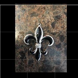 💋Cute black, white & silver pendant